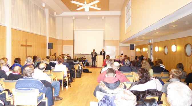 Den finns en ny Den Helig Andes tid i Agape Solna. Gemenskapskväll video i 2015-05-01